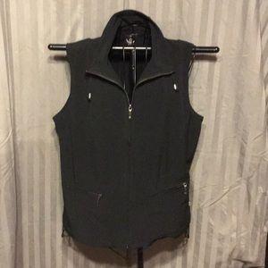 Woman's sleeveless jacket